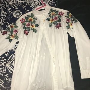 Button down floral embroidered top